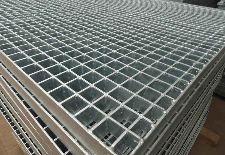 Analysis of grating installation methods
